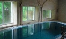 помещение закрытого бассейна при выключенной приточно вытяжной вентиляции