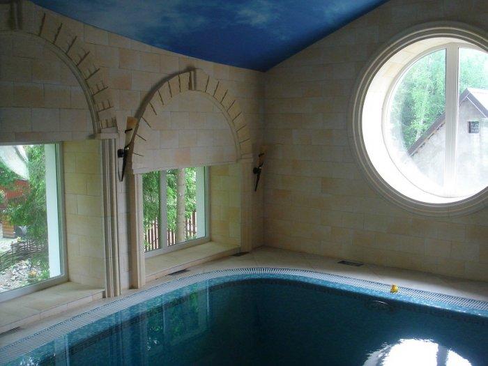 Бассейн с системой вентиляции в частном доме. Подмосковье.